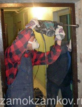 Установка металевих дверей своїми руками